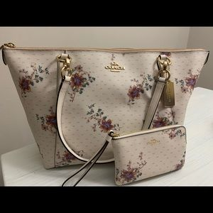 Floral coach purse with wallet
